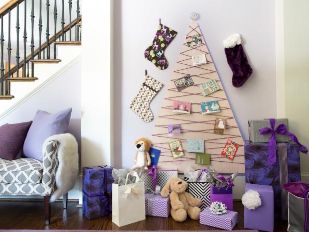 Original_BPF-Holiday-House_hgtv_interior_tree-card-display_beauty_h.jpg.rend.hgtvcom.616.462