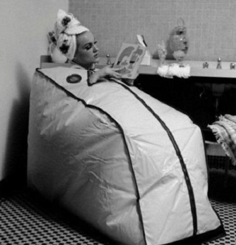 Αυτή η εφεύρεση που μοιάζει με τεράστια σακούλα φτιάχτηκε για τους σκληροπυρηνικούς θαυμαστές της σάουνα.