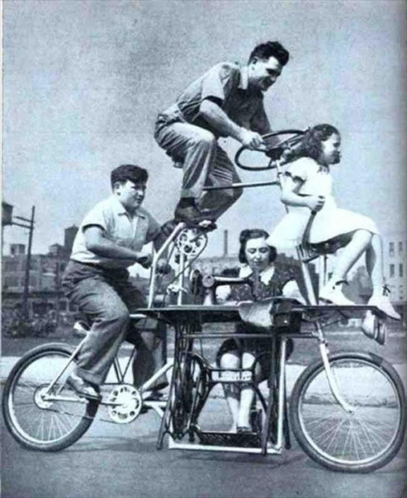 Το ποδήλατο Goofy. Έτσι υποτίθεται ότι έπρεπε να μοιάζει ένα οικογενειακό ποδήλατο, σύμφωνα με τον Charles Steinlauf. Άρα αποδεικνύεται ότι κανείς δεν πήγαινε πουθενά χωρίς μια ραπτομηχανή.