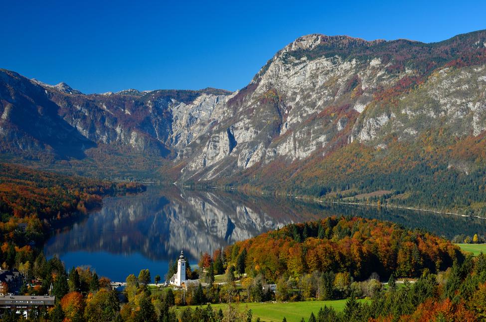 bohinj-lake-ukanc-slovenia-fall